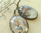Alice In Wonderland Grinning NonSensical Cheshire Cat Literary Book Earrings