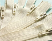 Zippers- 16 Inch Closed Bottom Zippers- Color 121 Vanilla- 25 Pieces