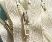 25 Vanilla 9 Inch Zippers YKK Color 121