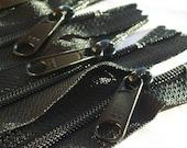 14 Inch YKK Long Pull Handbag Purse Zippers Color 580 Black 5 Pieces