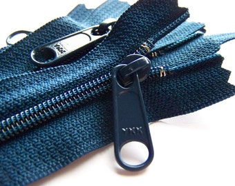 Zippers: 18 Inch Ykk Purse Zippers with a Long Handbag Pull- Color 919 Navy Blue- 5 Zippers