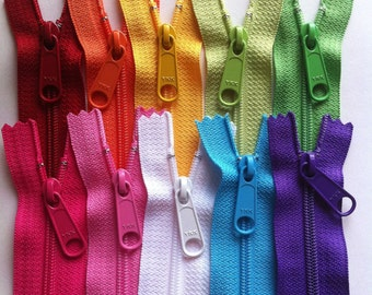 Zippers: 4.5 Ykk Purse Zippers with a Long Handbag Pull - 10 Piece Rainbow Pack - Available in 7,8,9,10,12,14,16,18 and 24 Inches