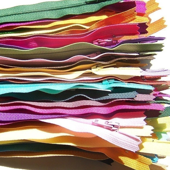 SALE 25 Assorted 7 Inch YKK Zippers