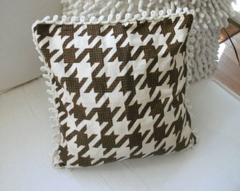 hounds tooth  pillow cover, decorative pillow cover , throw pillow dogs tooth