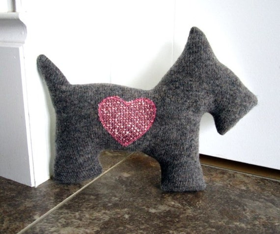 Scottie Dog Pillow Plush - Recycled Wool - Grey with pink heart