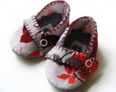 Baby Booties Curduroy Floral Butterfly Felt Lined Signature Loafer Style