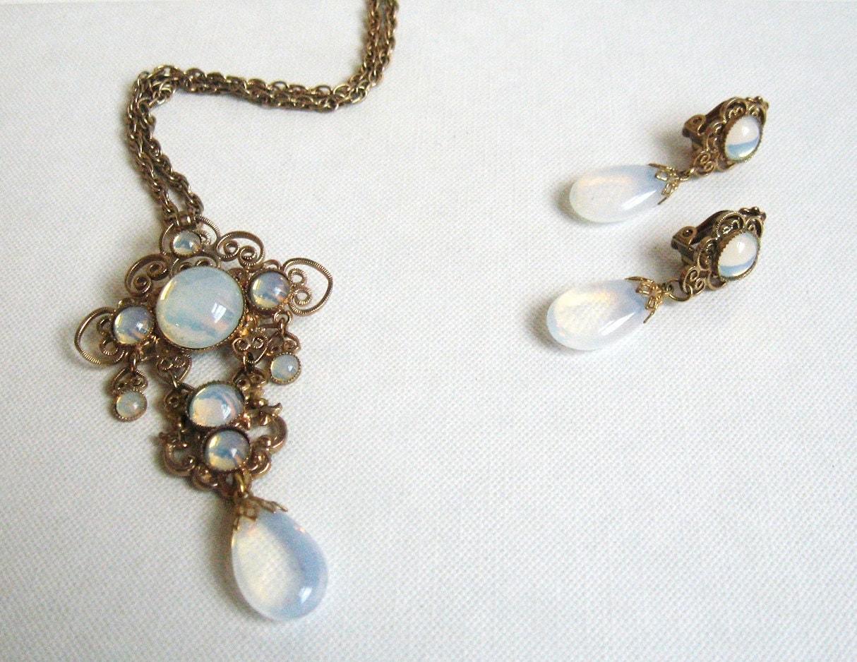 Vintage Moonstone Necklace & Earrings Parure by ...