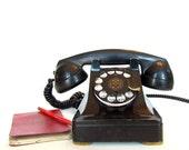 Vintage Model 302 Telephone - Art Deco Look Metal Case