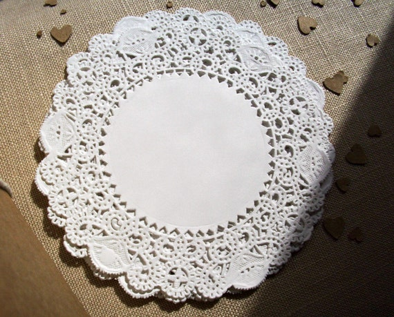 paper lace doilies Save on royal lace paper doilies and placemats, retail pack, made in the usa buy elegance at affordable prices, today.