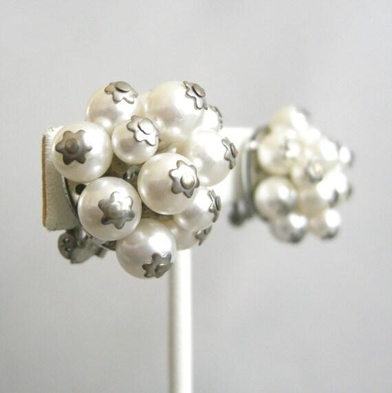 Vintage faux pearl beaded cluster earrings, clip on