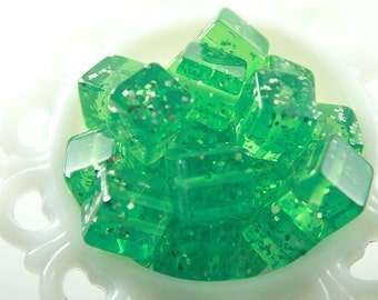 Chunky Beads - 20mm Green Jello Cube Glitter Chunky Resin Beads - 10 pc set