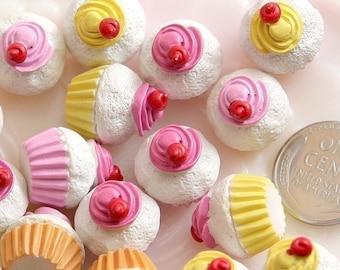 17mm Little Swirl Cupcake Resin Cabochons - 6 pc set