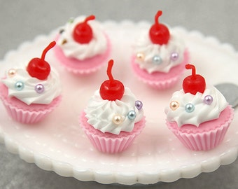 Fake Cupcakes - 30mm Fake Cupcake Decorations or Charms - for making fake food crafts - 2 pc set