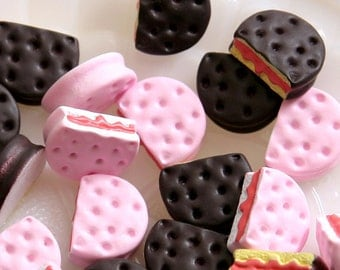 15mm Little Pink and Black Cookie Resin Cabochons - 8 pc set