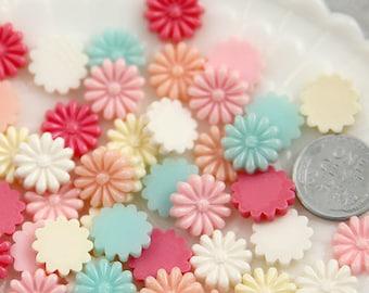 Flower Cabochons - 13mm Little Daisy Flower Resin Cabochons - 18 pc set