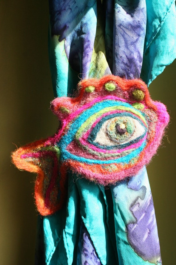 PsEyEchedelic Fish Scarf Ring - A Fantastic Felted Fiber Creation