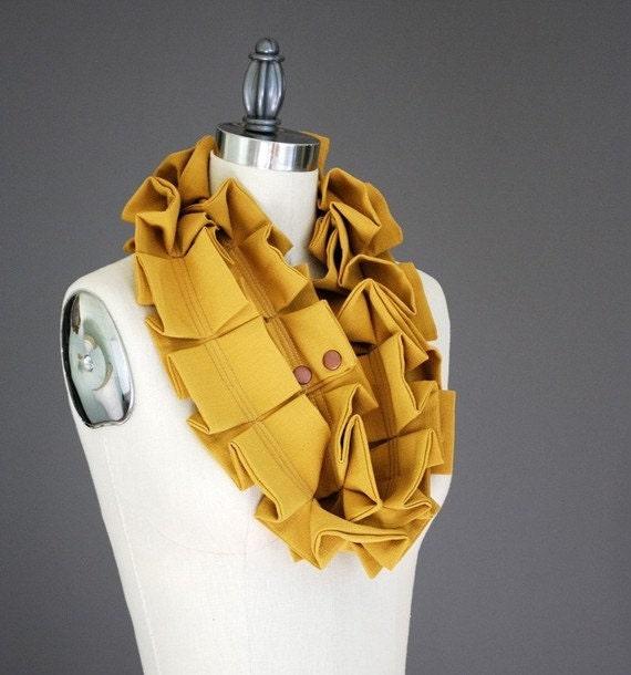 KOMO Wool Neck Garland Scarf in Harvest Gold