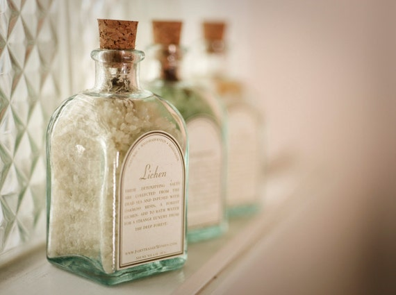 Lichen bath salts