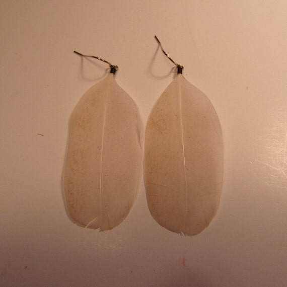 cruelty Free White Feather Earrings Natural Hen 3