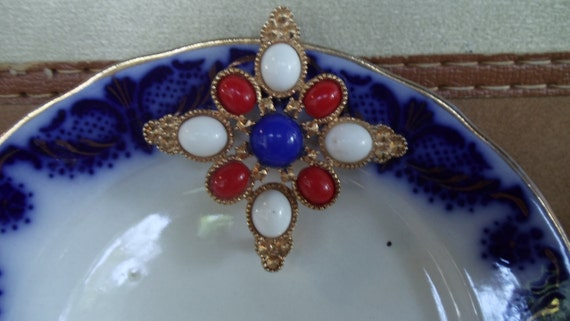 Red, white and blue Sarah Cov. pin