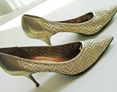 Gold Glamour Woven Leather Pumps - Eighties French Gold Leather Mid Heel Pumps - Small Size Stilettos - Hollywood Sexy Womens Shoes 5.5