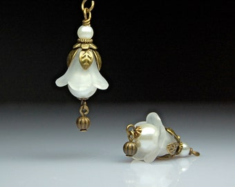 Vintage Style Bead Dangles White Lucite Flowers Pair C175