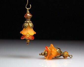 Vintage Style Bead Earring Dangles Orange Lucite Flowers Pair O468