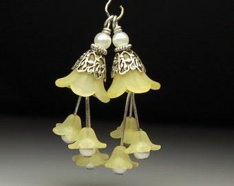 Bead Dangles Vintage Style Yellow Lucite Flowers Pair Y112