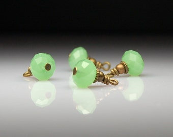 Vintage Style Bead Carms Dangles Green Glass G558
