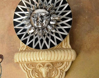 Vintage Rhinestone Sun Brooch with gorgeous silver rays