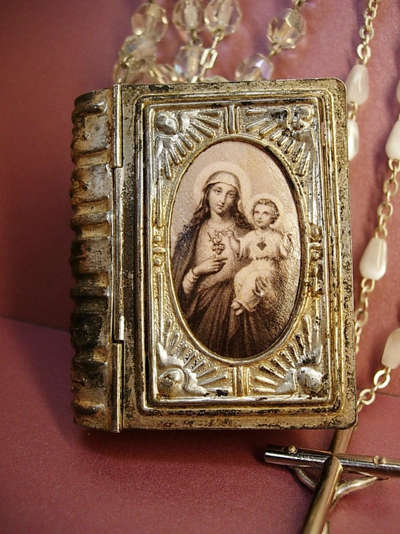 Antique French Glass Rosary Box Necklace With Rosary Inside
