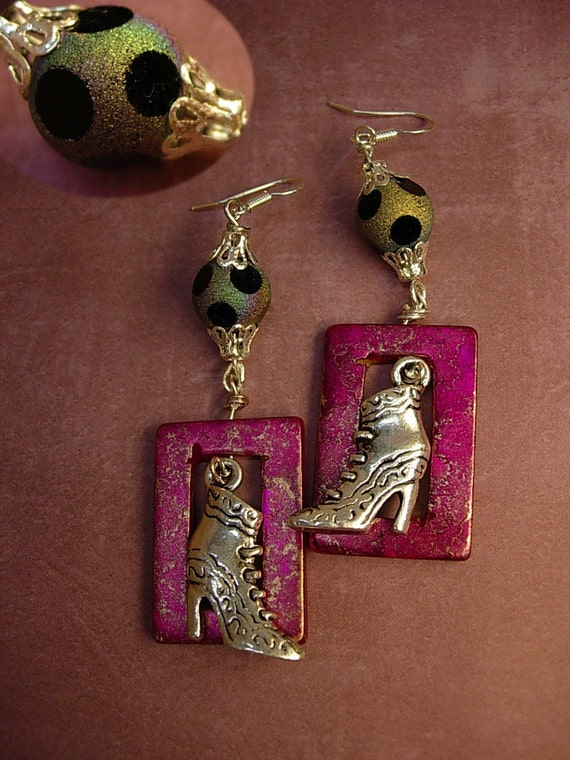 Victorian shoe earrings Charm earrings with Distressed PINK frames