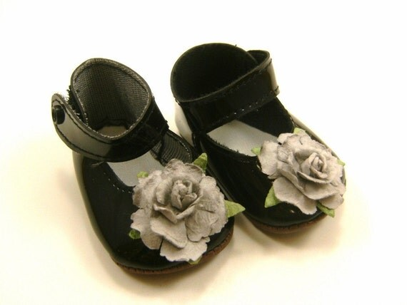"""Doll Shoes for 18"""" Dolls Embellished Mary Jane Shoes Black With Light Grey Flowers"""
