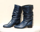 REDUCED...VINTAGE 1980s Navy Leather Slouch Pixie Boot, size 6 1/2
