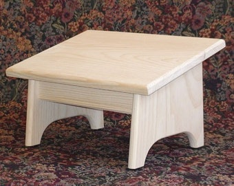 Footrest - Nursing Foot Stool - Pine - Unfinished