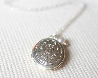 Small Silver Locket - Vintage Victorian Motif