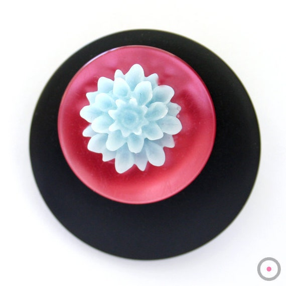 SALE // Black, Pink and Blue flower Brooch lapel pin // vintage buttons