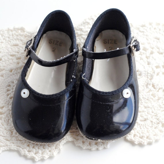 Vintage Baby Girl Shoes PATENT MARY JANES size 2