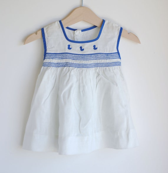 Vintage 1960's Baby Girl Dress - White with Blue DUCKS and Smocking (0 to 3m)