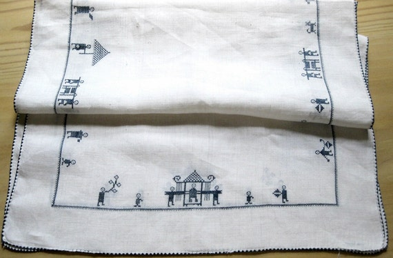 Table Runner: Hand Sewn Asian Theme Blue and White Vintage