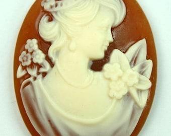 Cameo 30x40 Victorian Lady Portrait - Caramel Base Ivory Face 4pcs