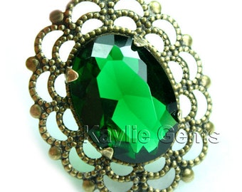 Emerald Green Glass Jewel Antique Brass Filigree Pendant 1 pc