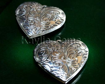 Heart Locket Hand Touched Antique Silver Victorian Floral Style   - LKHS-L15AS - 4pcs