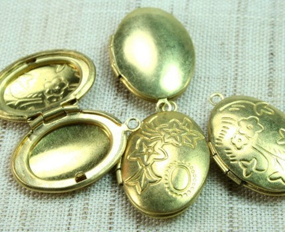 LKOS-88RB 4pcs  Oval Floral Raw Brass Locket  Pendants /Charms