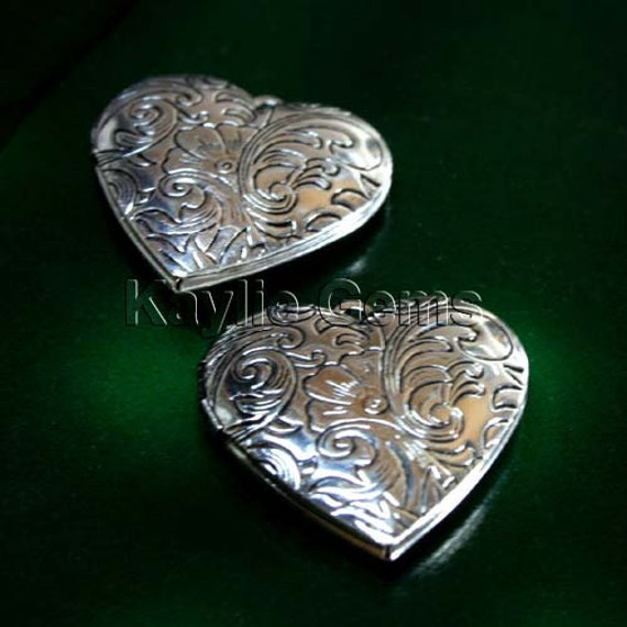 Heart Locket Hand Touched Antique Silver Victorian Floral Style   - LKHS-L15AS - 2pcs
