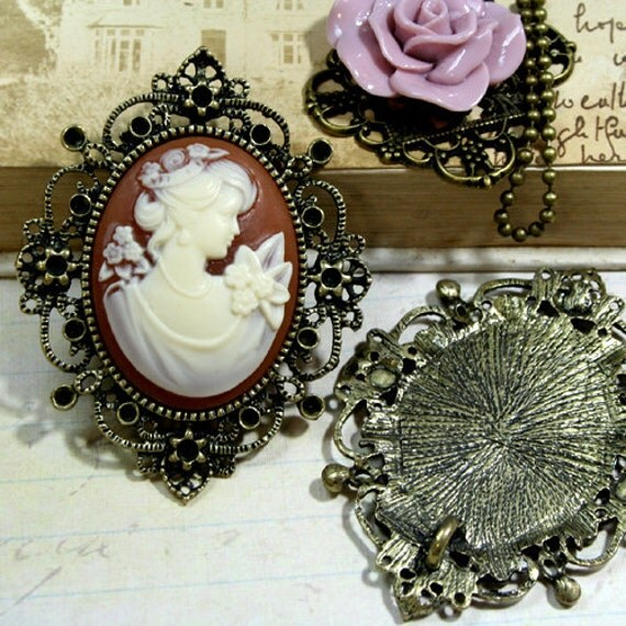30x40mm Cameo Setting Pendant Brooch Frame Antique Brass Rhinestone Victorian Style FRM-17035AB - 2pcs