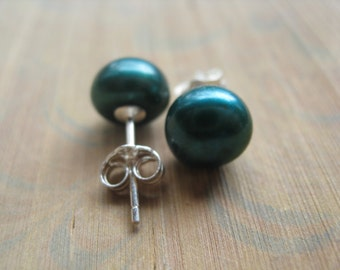 spruce green pearl earrings in sterling silver. pearl stud earrings. silver earings. June birthstone. splurge