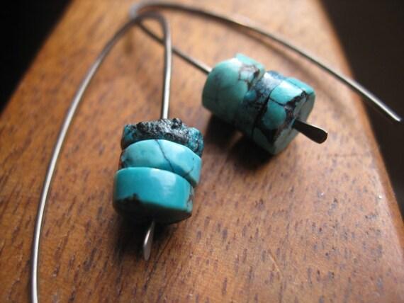 rustic turquoise earrings in grey niobium. hypoallergenic niobium earrings. handmade by splurge.