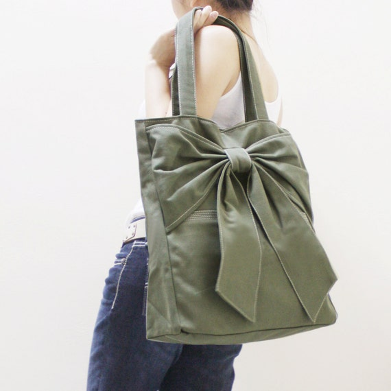Canvas Tote in Army Green, Shoulder Bag, School bag, Totes, Travel bag, Handbags, Diapers bag, Gift Ideas for Women - QT -  SALE 20% OFF