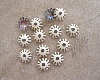 Vintage enamel metal flower, bead/caps, 12m, beige, Lot of 20